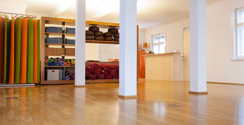 Yogastudio 15, Raum mit Regal